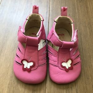 Bobux brand sandals iWalk label